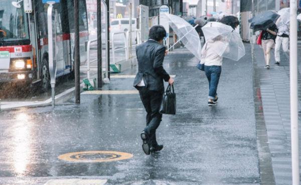 台風25号暴風雨