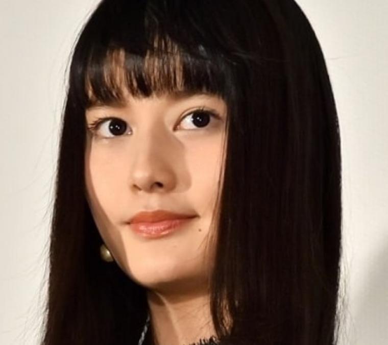 橋本愛が現在は痩せて2019年は超かわいい!激太の頃と画像比較1
