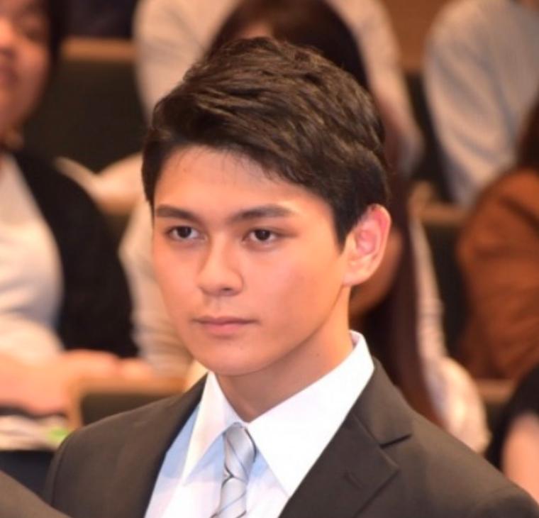 新田真剣佑の弟は岡山の高校?イケメンでサックスの腕前が超ヤバい6