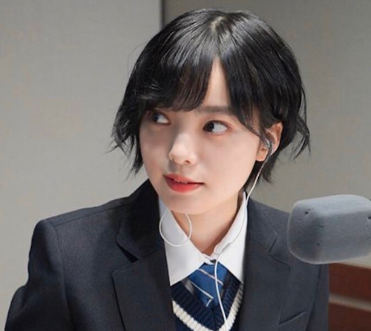 平手友梨奈の卒業と脱退の違いは?グループに決別した理由を解説01
