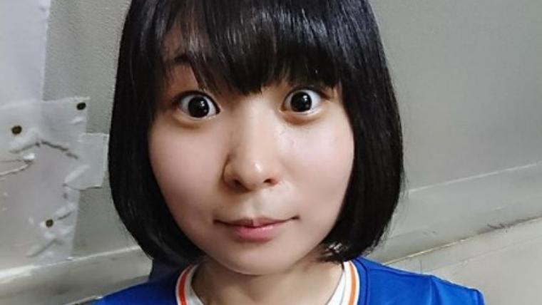 アンゴラ村長の胸が大きい乳揺れDカップTikTok動画00